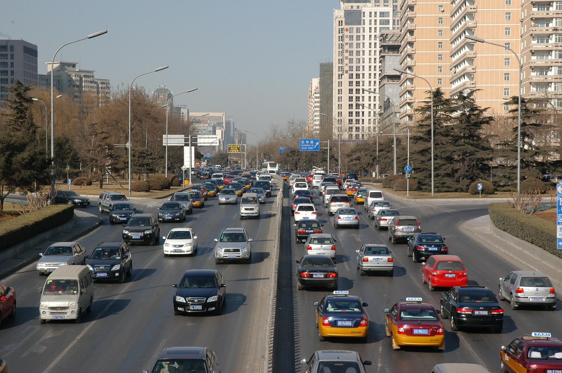 О сроках отмены нештрафуемого порога для водителей рассказал эксперт